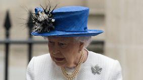 Promi-News des Tages: 14 Köche der Queen schmeißen den Kochlöffel hin