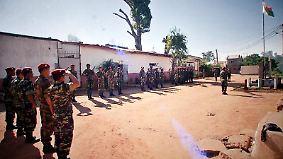 n-tv Dokumentation: Hinter Gittern - Antanimora Prison in Madagascar