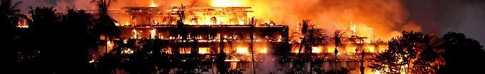 Der Tag: 10:54 Feuer zerstört historisches Teakholz-Hotel