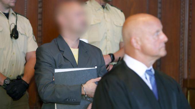 Wolfgang P. steht in Nürnberg wegen Mordes und versuchten Mordes vor Gericht.