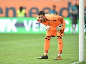 Nicht unumstritten, aber jetzt mit einem Vertrag bis 2021 ausgestattet: BVB-Keeper Roman Bürki.