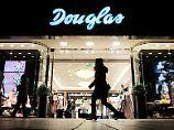 Douglas bekommt sowohl online als auch in der Einkaufsstraße neue Konkurrenz.