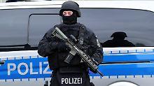 Terrorverdacht in Berlin: Polizei beschlagnahmt Waffen und Munition