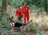 Auch mithilfe von Rettungshunden wird im Jahr 1999 nach der verschwundenen Johanna gesucht. Sie wird erst im April 2000 tot aufgefunden.