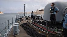 Einsatz vor Libyens Küste: Mit einem Kriegsschiff rückwärts ausparken