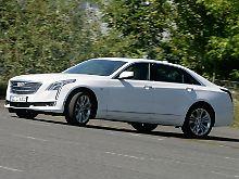 Mehr als fünf Meter Länge machen den Cadillac CT6 zu einer auffälligen Erscheinung.