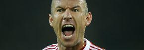 """Besonderes Vorkommnis: Arjen Robben kürt sich zum erfolgreichsten Niederländer in der Bundesliga-Historie sowie zum erfolgreichsten ausländischen Torschützen des FC Bayern. Sein Kommentar: """"93 Tore, das ist nicht nichts."""""""