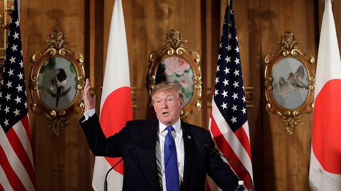 Donald Trump äußerte sich von Japan aus zu dem Massaker.