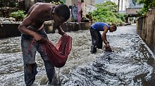 Krise trotz Rekord-Ölreserven: Die Goldsucher in der Kloake von Caracas