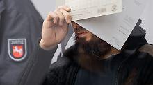 Mutmaßlicher IS-Deutschlandchef: Kronzeuge belastet Abu Walaa vor Gericht