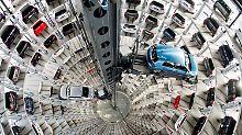 Der Börsen-Tag: VW setzen sich im Dax an die Spitze