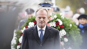 EU-Ratspräsident Donald Tusk war nach Polen zum offiziellen Festakt mit Kranzniederlegung gereist.