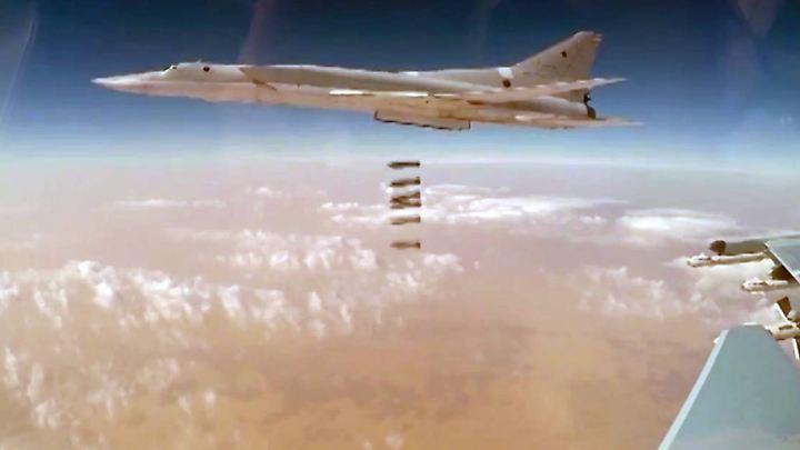 Russischer Bomber über Syrien: Ohne die Unterstützung Russlands wäre Assad wohl niemals in der Lage gewesen, so weite Teile des Landes zurückzuerobern.