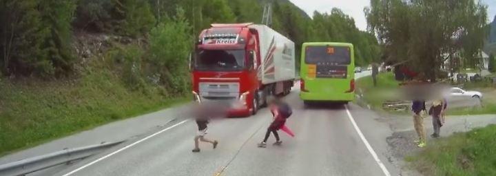 Dramatische Szenen aus Norwegen: Vollbremsung von Lkw-Fahrer rettet Kind das Leben