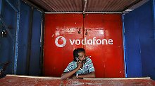Weniger Umsatz, mehr Gewinn: Vodafone hebt Prognose an
