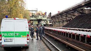 Merkel spricht beim Klimagipfel: Aktivisten legen Kohlekraftwerk lahm