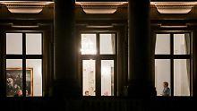 Immer noch brennt Licht im Gebäude der Parlamentarischen Gesellschaft.