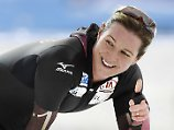 Claudia Pechstein ist zwar schon 45, fährt ihrer deutlich jüngeren Konkurrenz aber dennoch davon.