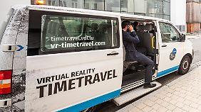 Der Bus bietet die neue Technik für Touristen.