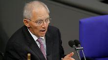 Schäuble mahnt, Parteien pöbeln: Bundestag macht sich irgendwie arbeitsfähig