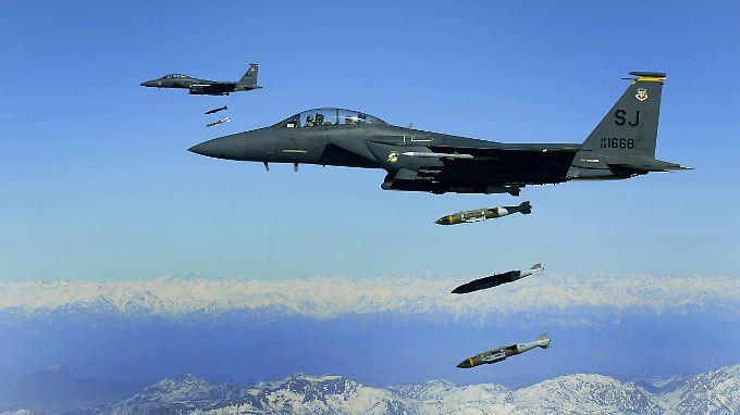 2016 flogen die USA rund 1000 Angriffe über Afghanistan. 2017 waren es bis Mitte Oktober schon 2400.