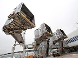 Unfälle beim Ein- und Aussteigen: Airline haftet für Sturz auf Passagierbrücke