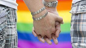 n-tv 2017: G20-Gipfel in Hamburg eskaliert, Homosexuelle dürfen heiraten