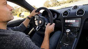 Obgleich der 718 GTS einiges an technischen Extras bietet, wirkt er im Innenraum eher puristisch. Und das ist für die Konzentration beim Kurvenlauf nicht unwichtig.