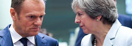 Großbritanniens Premierministerin May und EU-Ratspräsident Tusk haben viel zu bereden.