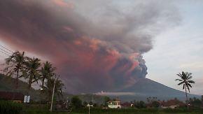 Hohe Aschewolke über Bali: Vulkan Agung brodelt wieder