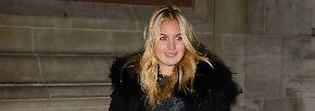 Mit Astrid Harbord wurde Harry 2009 in Verbindung gebracht. Sie und ihre Schwester Davina werden in der Londoner Szene ...