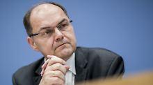 Bewegung im Glyphosat-Streit: Schmidt will auf Hendricks zugehen