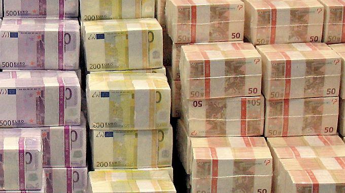 Auch das Einlagern von Bargeld verursacht Kosten für die Banken.