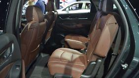 Auf den Einzelsitzen der zweiten Reihe ist im Buick Enclave ordentlich Platz.