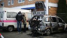 Polizei und Feuerwehr gehen davon aus, dass die Feuer absichtlich gelegt wurden.