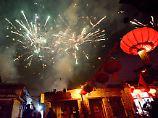 Der Tag: Stilles Neujahrsfest: Peking verbietet Feuerwerkskörper