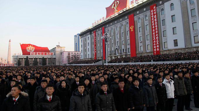 Besonders enthusiastisch wirken die Feierlichkeiten im Herzen Pjöngjangs nicht.