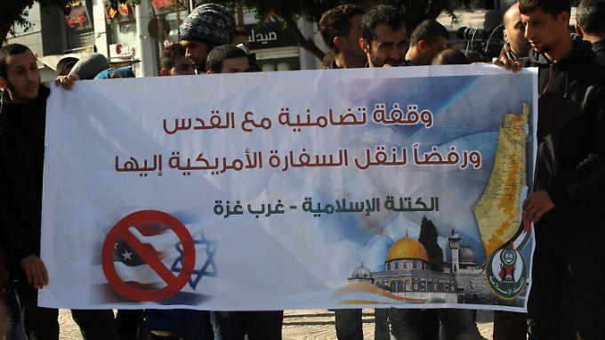 Palästinenser protestieren gegen den Umzug der US-Botschaft nach Jerusalem.