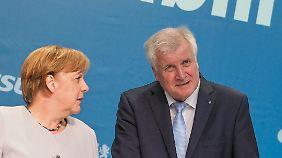 Zieht es Seehofer nach Berlin?: Machtwechsel in Bayern für Merkel unberechenbar