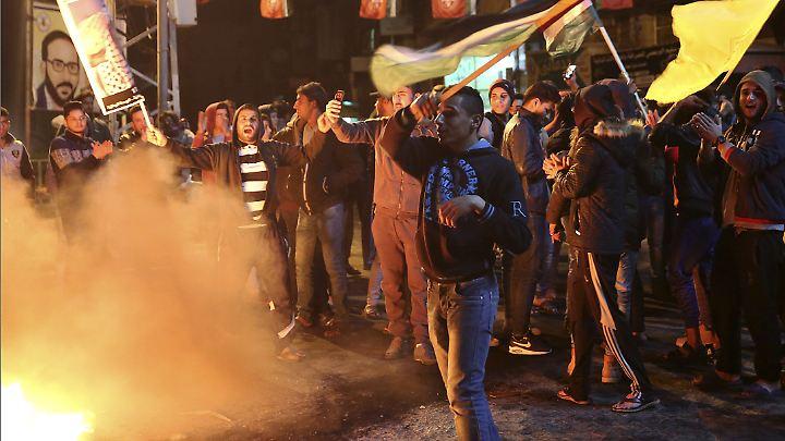 Bereits am Mittwochabend ging viele Menschen im Gaza-Streifen auf die Straßen, um zu protestieren.