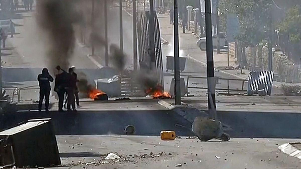 Israelischer Raketenangriff In Gaza Gewaltsame Unruhen Im