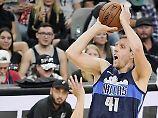 Der Sport-Tag: Niederlagen trotz Top-Leistung für deutsche NBA-Stars