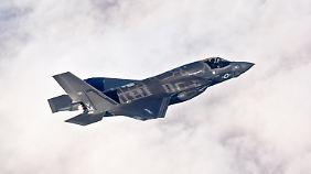 Aus Kreisen der Bundeswehr hingegen favorisiert man offenbar den US-amerikanischen F-35.