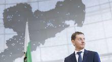 """Man muss das Recht durchsetzen"": Kretschmer kritisiert Ausreisehindernisse"