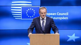 "Keine ""selektive Solidarität"": Tusks Aussage zu EU-Flüchtlingspolitik löst Eklat aus"
