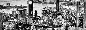 1940er- bis 1960er-Jahre im Bild: Hamburg - aus Ruinen auferstanden