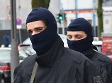 Razzien in islamistischer Szene: Polizei sucht mutmaßliche IS-Unterstützer