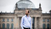 """Streit um """"Mahnmal"""": Aktivist muss Abstand zu Höcke-Haus halten"""
