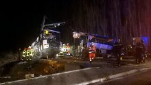 Unfalldrama in Südfrankfreich: Regionalzug zerreißt Schulbus