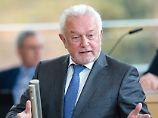 Tränen zum Abschied: Kieler Landtag applaudiert Urgestein Kubicki